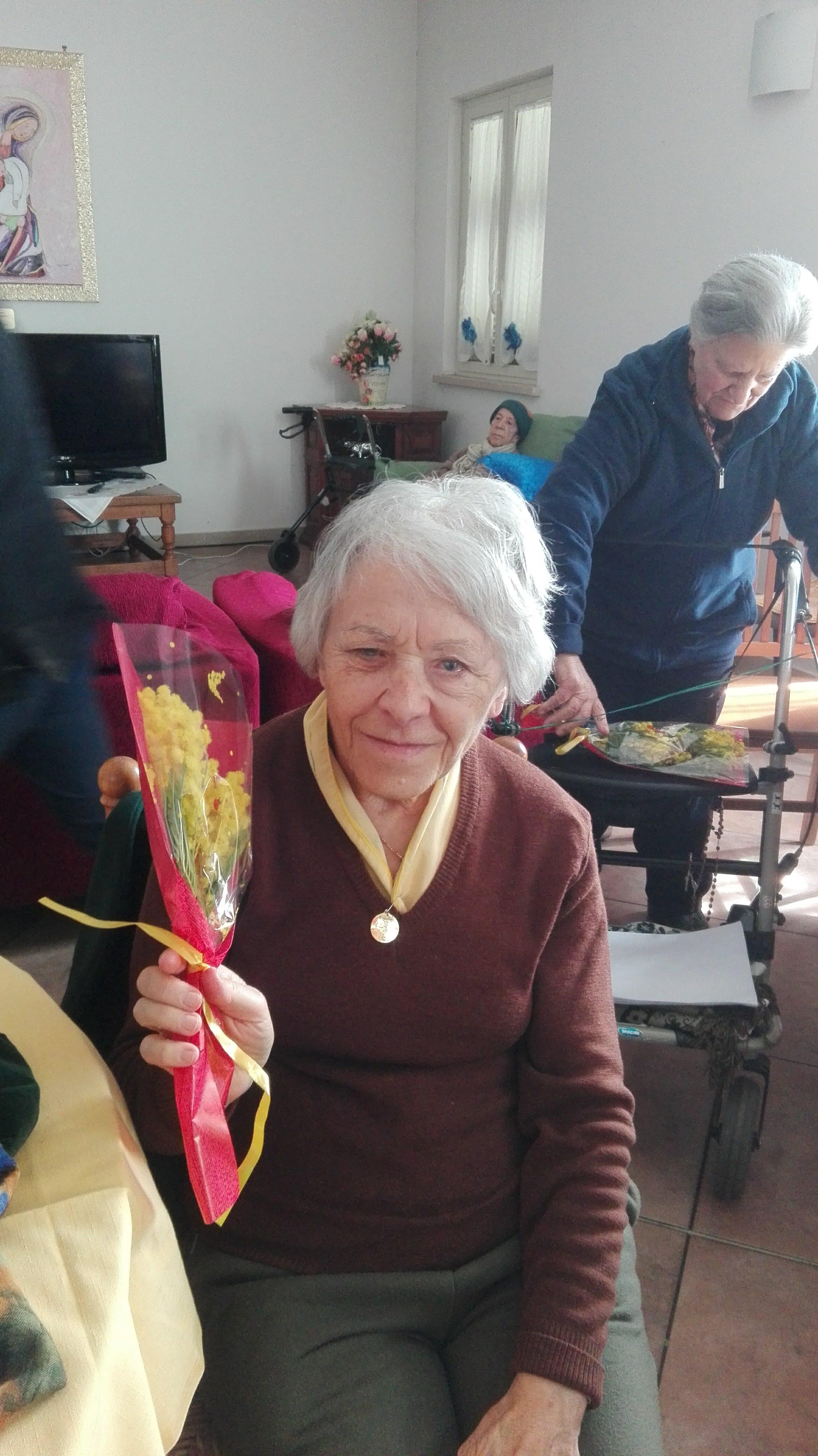 Festa della donna casa di riposo divino amore 5 casa di for Planimetrie della casa di gambrel